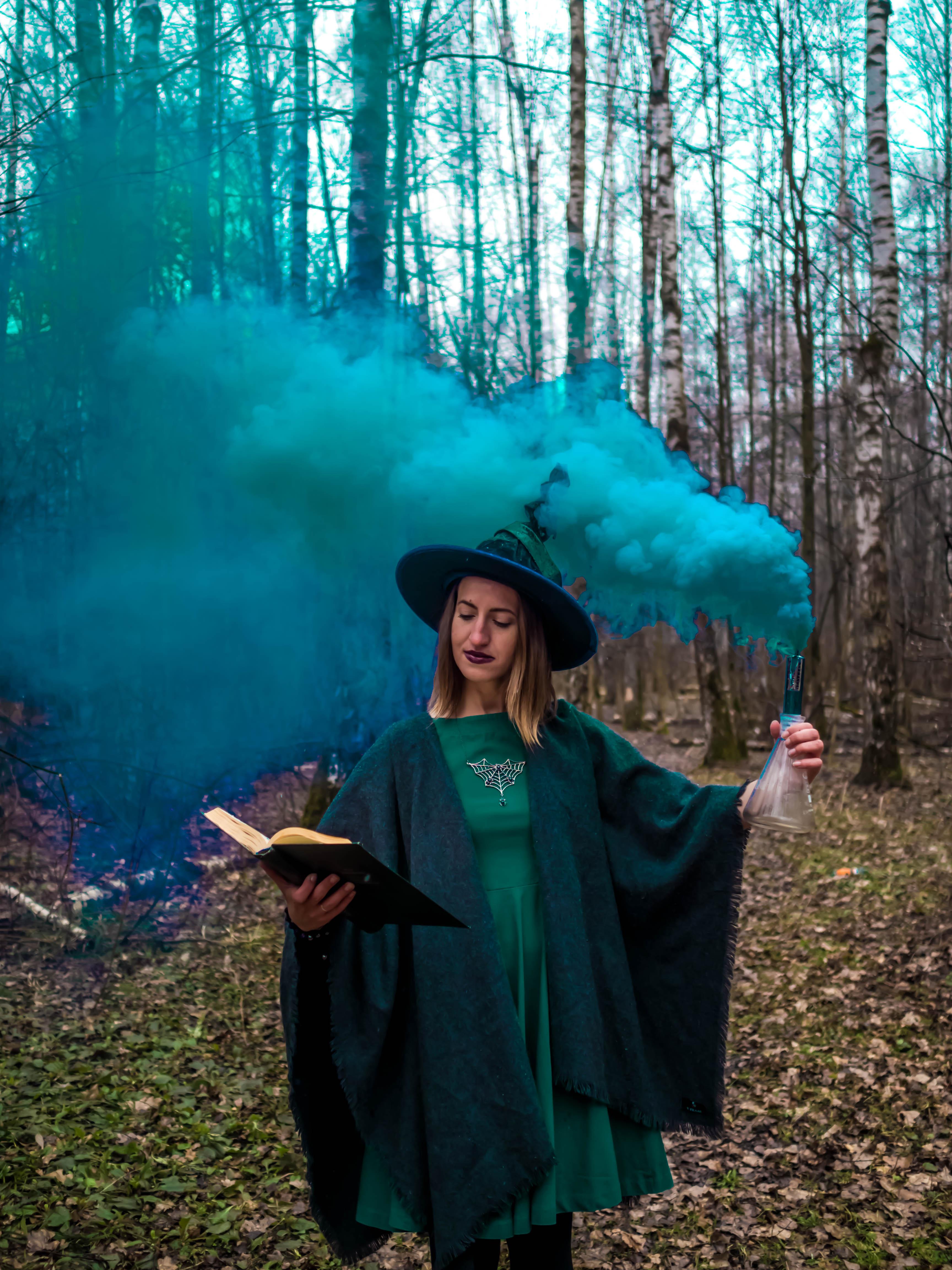 фотосессия ведьма в лесу фото именно